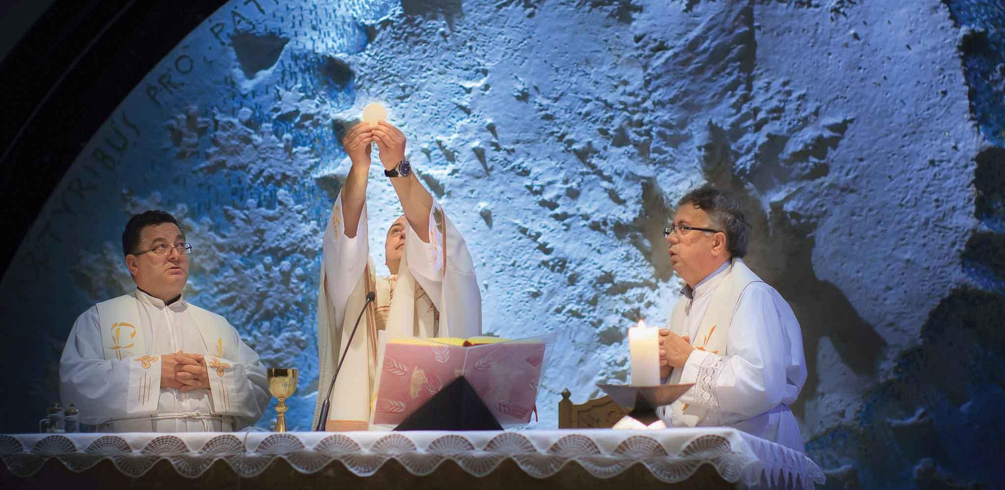 Damir Stojić, Bazilika Srca Isusova, Glasnik, Glasnik Srca Isusova i Marijina