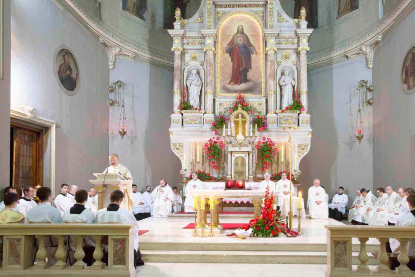 Foto Tisuce Ljudi Na Svetkovini Srca Isusova U Bazilici U Zagrebu