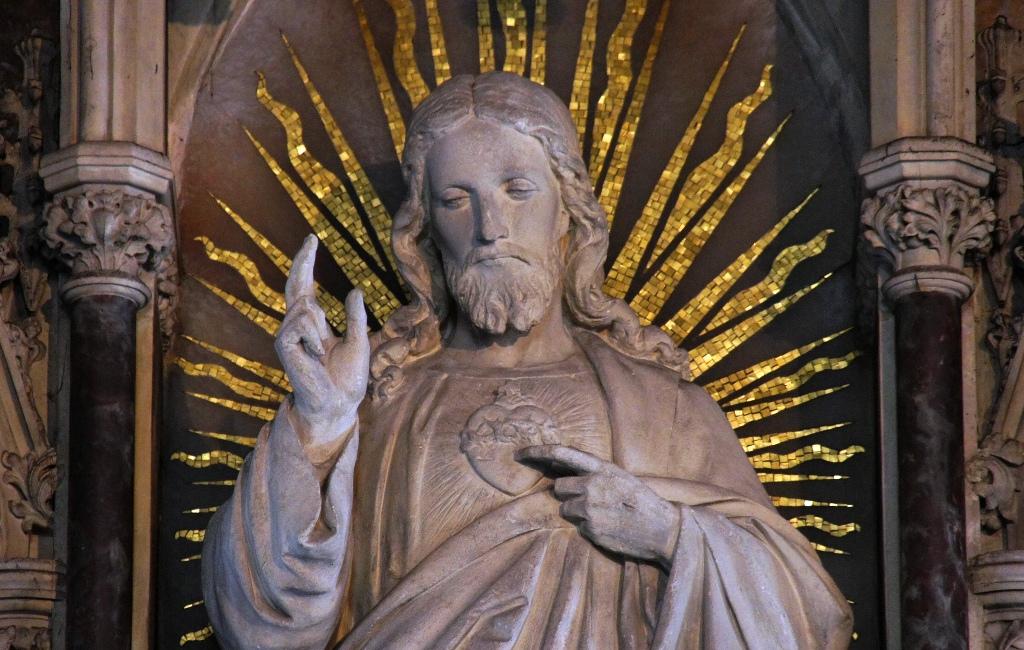 O ljubezno Srce mog Isusa, zapali svojom ljubavlju moje srce
