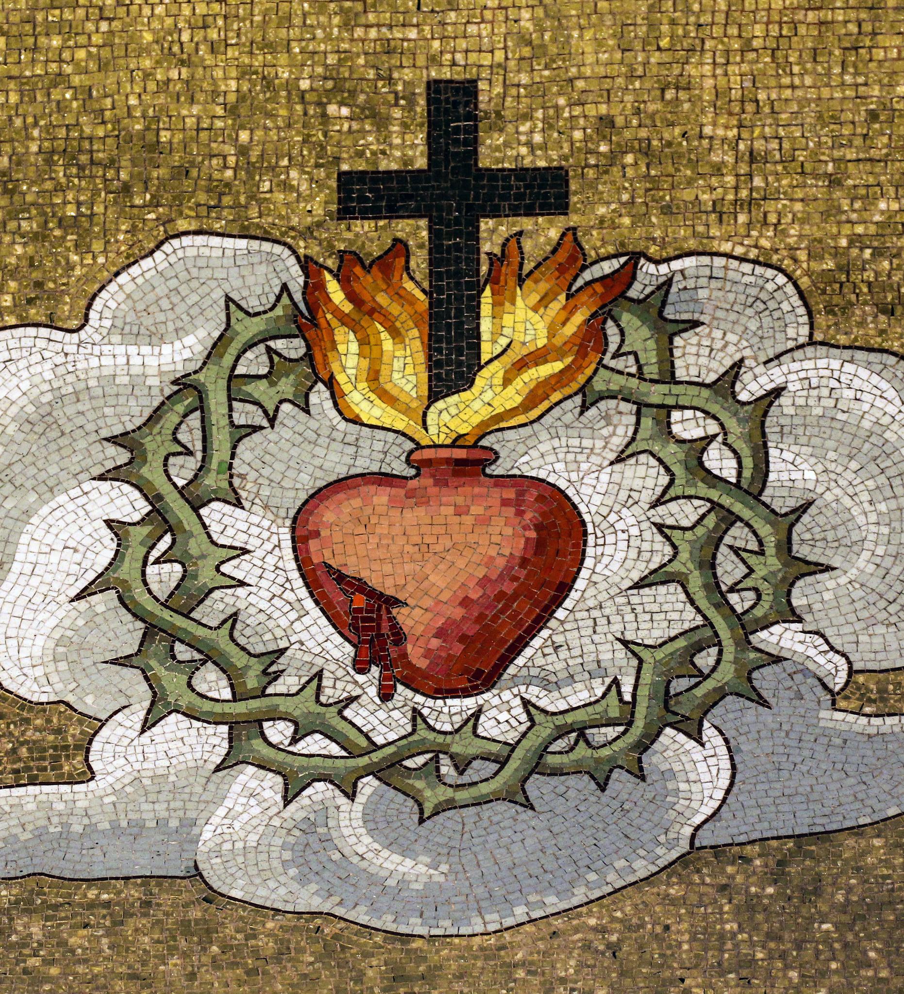 Kako se moli krunica Zlatna krunica Presvetom Srcu Isusovu?
